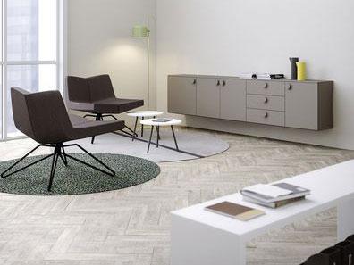 mobili per ufficio scrivanie tavoli sedie e poltrone