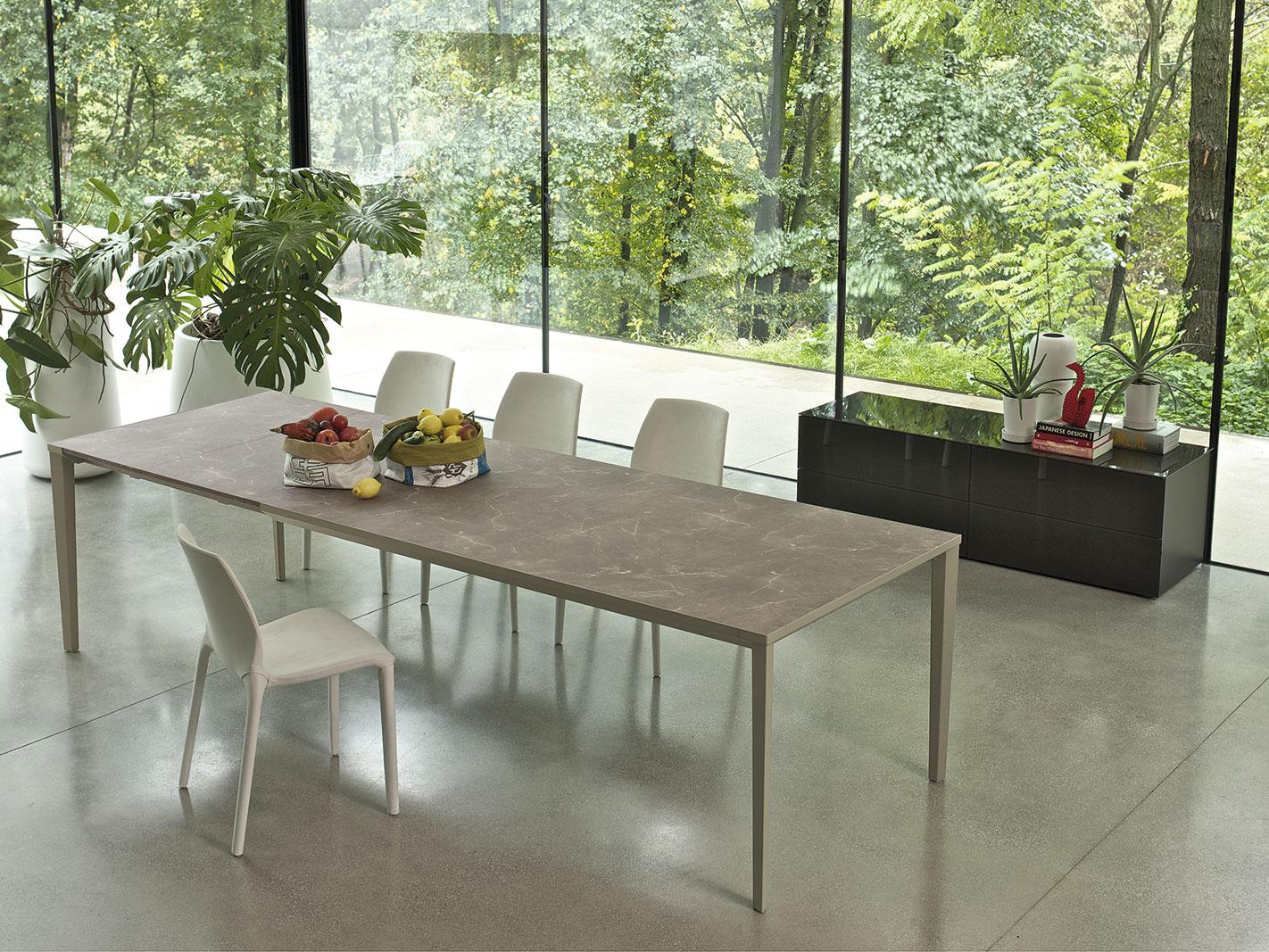 tavoli e arredamento sala