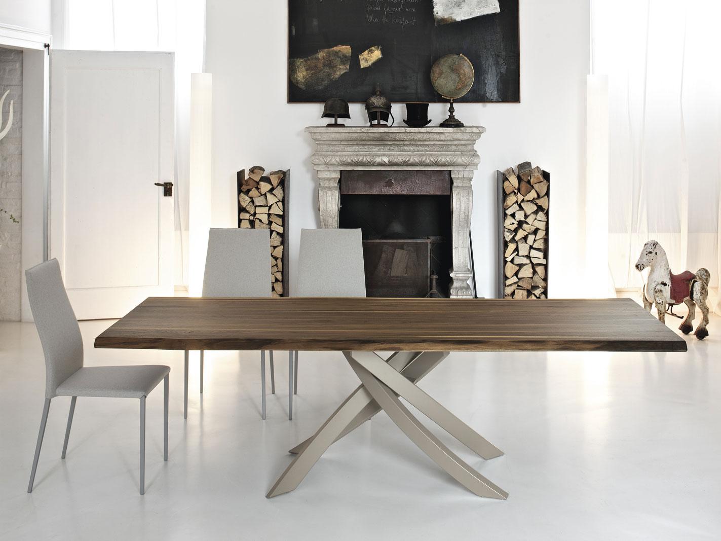 Complementi di arredo per salotti e uffici for Tavoli moderni da salotto